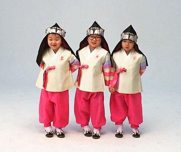 song il gook lan dau khoe anh cap sinh 3 gay sot - 7