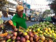 Mua sắm - Giá cả - Sau Tết, trái cây rớt giá từng ngày