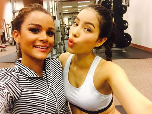 pham huong khoe body nuot na trong phong gym sau tet - 5