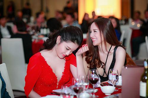 "mai phuong thuy ""do"" ve goi cam ben huyen my - 5"
