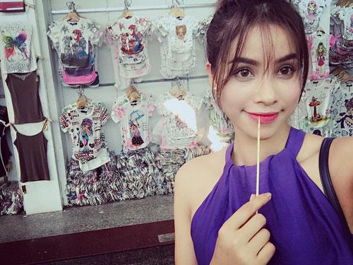 pham huong tang can, khoe dang voi bikini tai thai lan - 5