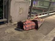 Tin trong nước - Quỳ suốt 2 giờ xin ăn trong đêm giữa Sài Gòn đô hội