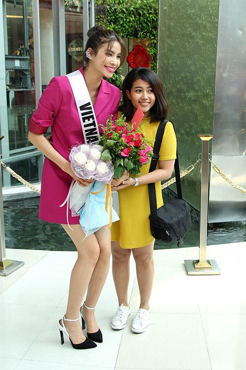 pham huong duoc fan thai lan dac biet chao don - 3