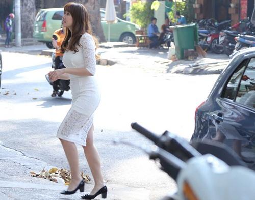"hari won di ""tut"" nhan sac sau scandal tinh ai - 2"