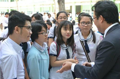 tp. hcm: chuong trinh tu van tuyen sinh – huong nghiep 2016 - 1