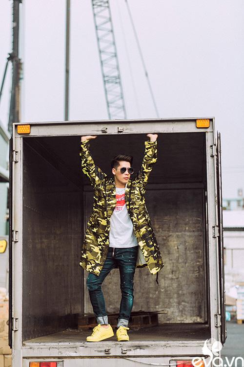 stylist travis nguyen bat mi bi quyet mac quan jeans - 4