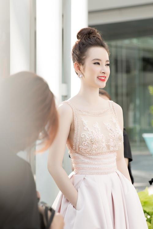 "angela phuong trinh hanh phuc vi khong con bi ""nem da"" - 6"