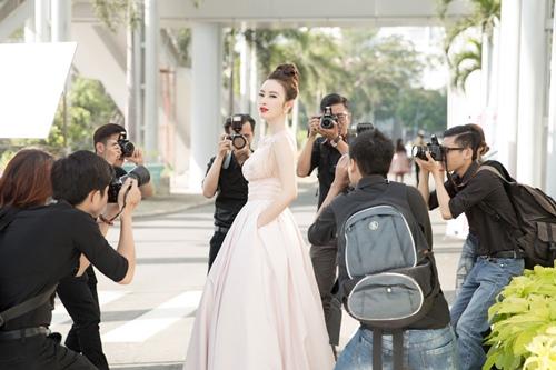 "angela phuong trinh hanh phuc vi khong con bi ""nem da"" - 8"