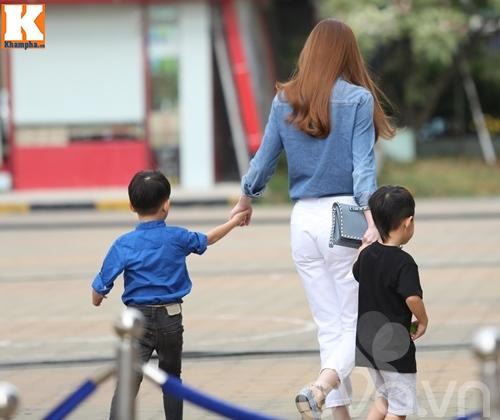 """hà hò - cuòng dola nám tay con trai giũa """"bão"""" scandal - 4"""