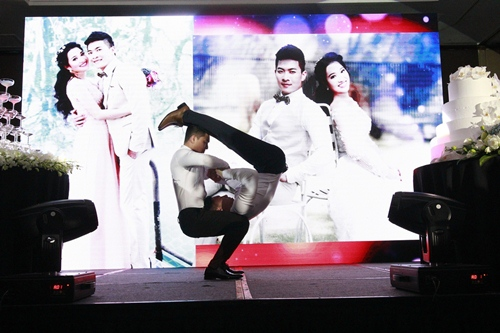 "dam cuoi sang trong cua mc hong phuong va ""hoang tu xiec"" quoc co - 10"