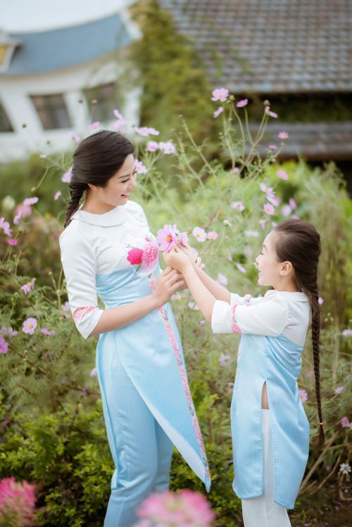 "hoa hau ngoc han dien ao dai doi cung ""con gai nuoi"" - 5"