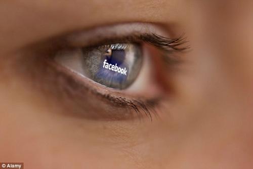 cha me 'khoe' anh con len facebook co the bi phat tu 1 nam - 1