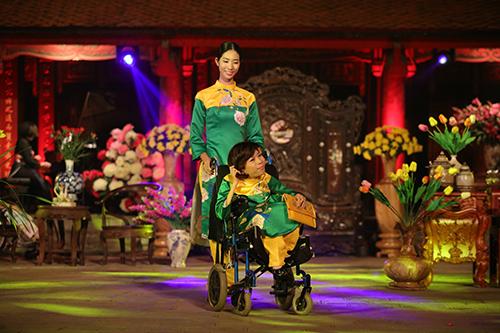 ngoc han trinh dien ao dai cung nguoi khuyet tat - 2