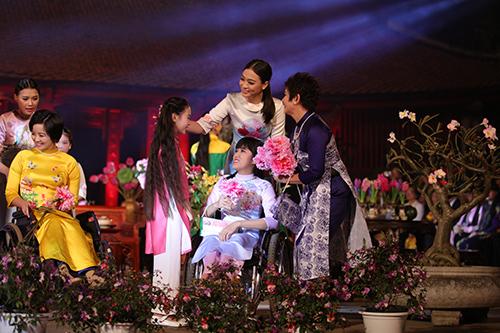ngoc han trinh dien ao dai cung nguoi khuyet tat - 6