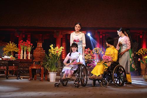 ngoc han trinh dien ao dai cung nguoi khuyet tat - 7