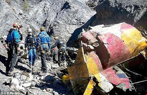 thu tuyet menh chan dong cua co pho vu roi may bay germanwings - 2