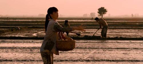 """ngoc trinh: """"em khong phai mot mon hang"""" - 2"""