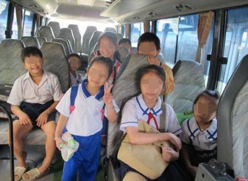 thot tim tim kiem 4 be gai len xe bus roi that lac - 2