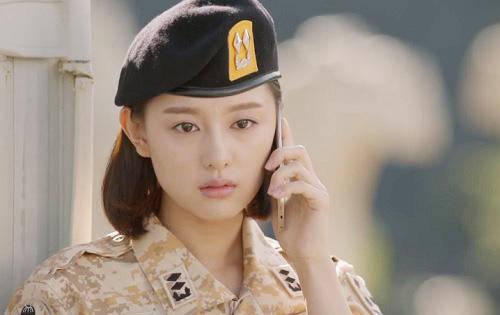 "che song joong ki ""qua nguy hiem"", song hye kyo tu choi loi to tinh - 5"