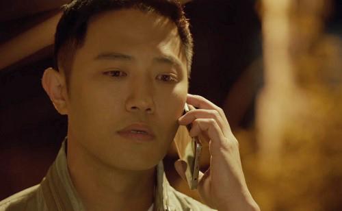 "che song joong ki ""qua nguy hiem"", song hye kyo tu choi loi to tinh - 6"