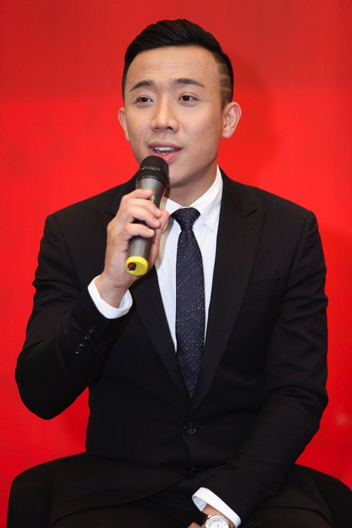 hari won mac loi hat live - tran thanh van mim cuoi, say sua ngam - 2