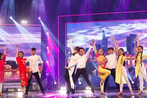 hari won mac loi hat live - tran thanh van mim cuoi, say sua ngam - 14
