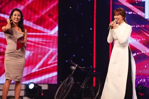 hari won mac loi hat live - tran thanh van mim cuoi, say sua ngam - 18