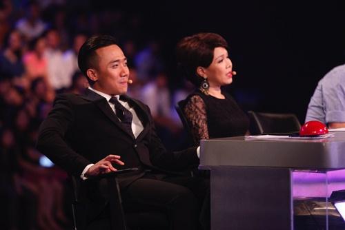hari won mac loi hat live - tran thanh van mim cuoi, say sua ngam - 15