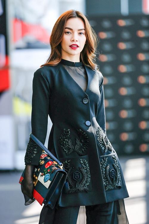 ho ngoc ha sanh dieu tham du tokyo fashion week 2016 - 1