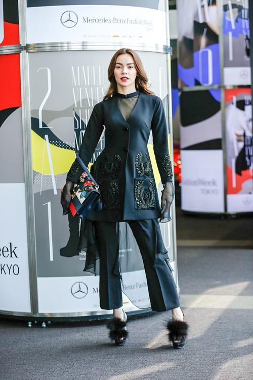 ho ngoc ha sanh dieu tham du tokyo fashion week 2016 - 3