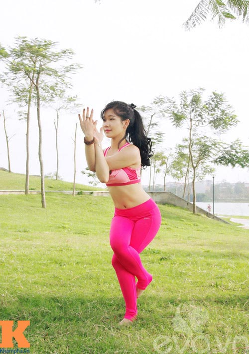 hot girl xinh dep khoi han benh soi than nho yoga - 2