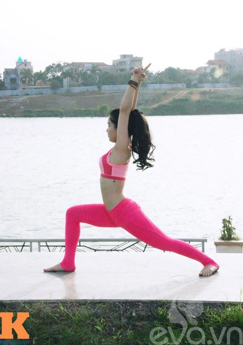 hot girl xinh dep khoi han benh soi than nho yoga - 5