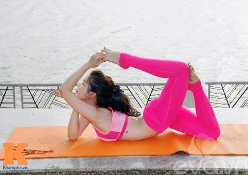 hot girl xinh dep khoi han benh soi than nho yoga - 3