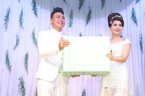 nam cuong va vo moi cuoi hanh phuc du dam cuoi kha ly - 19