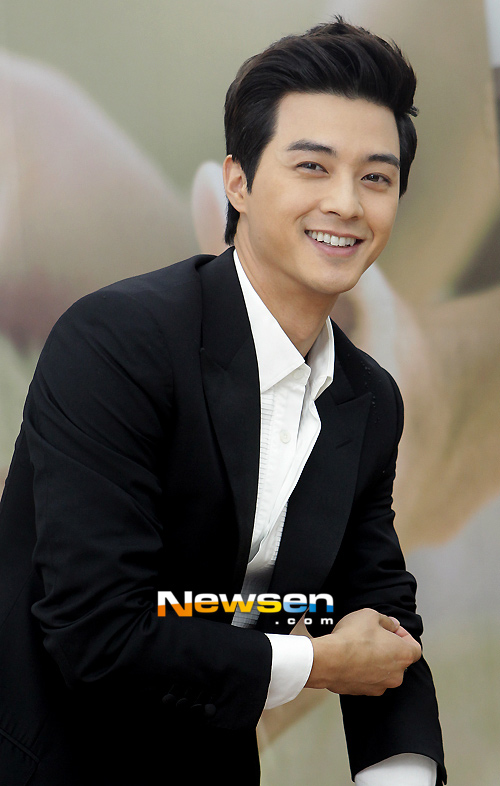 """nhung my nam tung """"qua tay"""" nang """"co"""" goo hye sun - 4"""