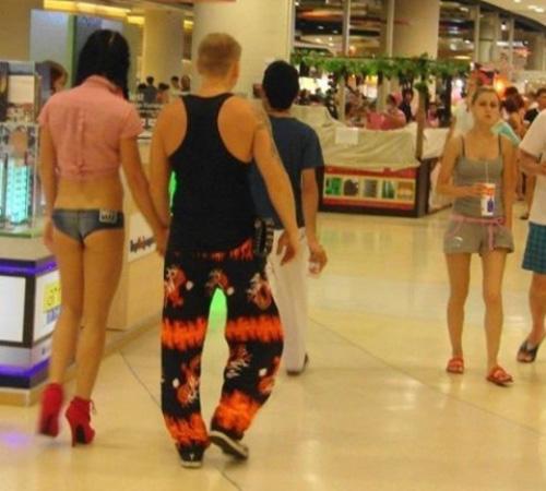1001 tham hoa quan jeans khien ban het hon het via - 5