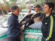 """Tin trong nước - Tài xế taxi chuyên chở 'ma': Phát hoảng vì khách bị """"vong nhập"""""""