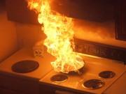 """Phong thủy - Phong thủy phòng bếp tránh phạm """"thiên môn hỏa"""""""