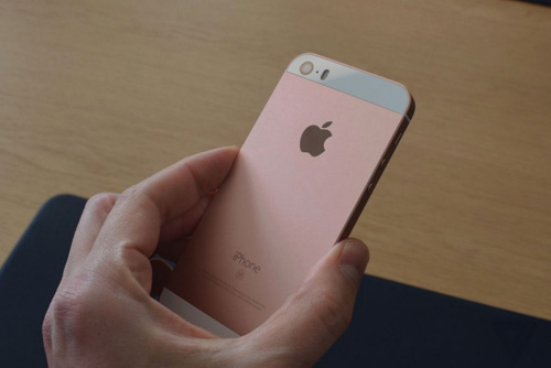 can canh iphone se vua trinh lang gay that vong cho nguoi ham mo apple - 7
