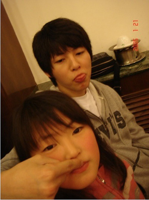 "em gai song joong ki san sang ""beu xau"" anh trai - 1"