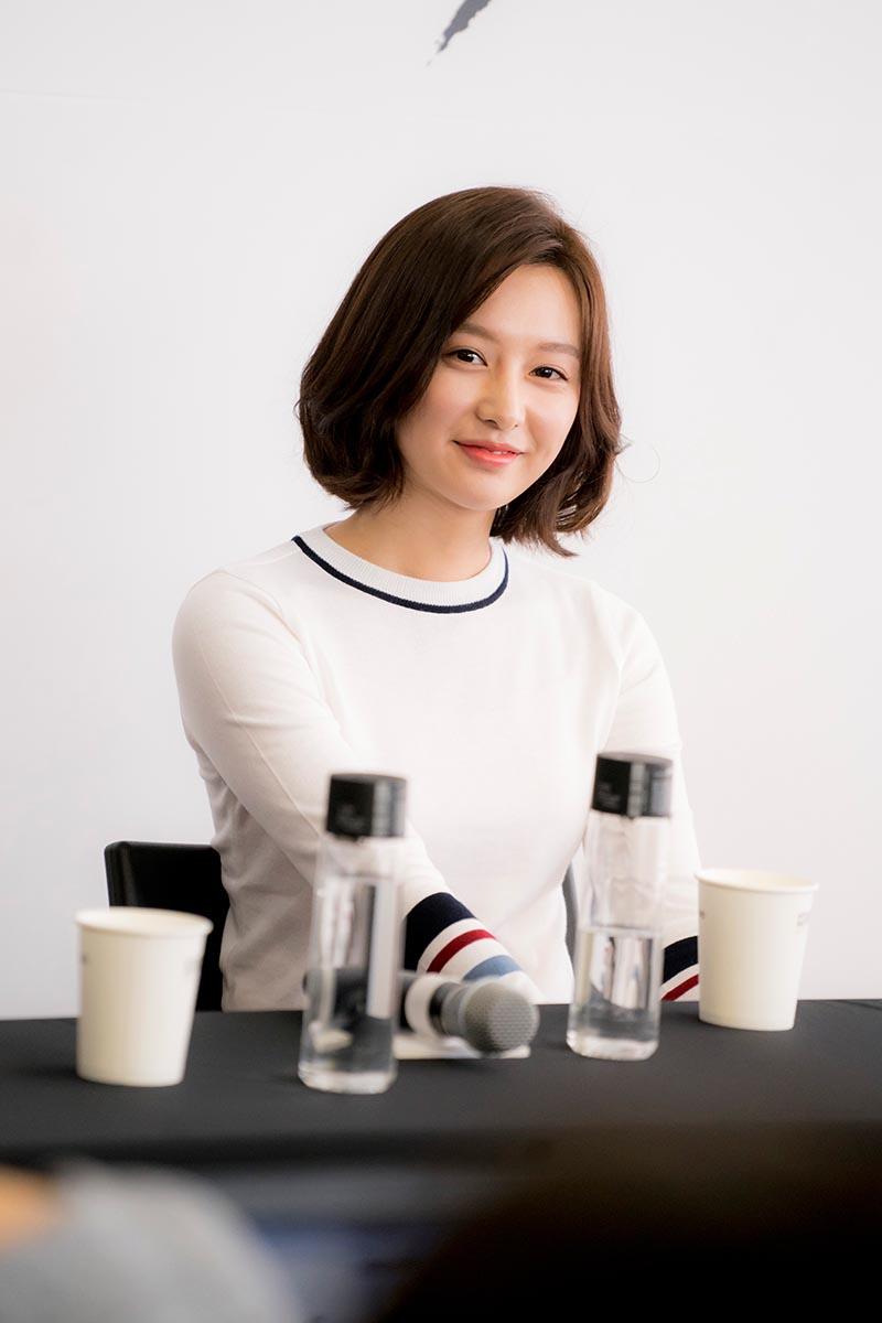 """vo jin goo ung ho chong """"yeu"""" kim ji won trong hau due cua mat troi - 5"""