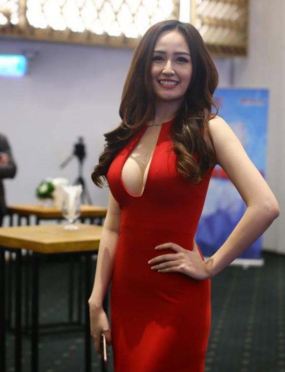 biet tai khoe dang dong ho cat sexy cua mai phuong thuy - 12