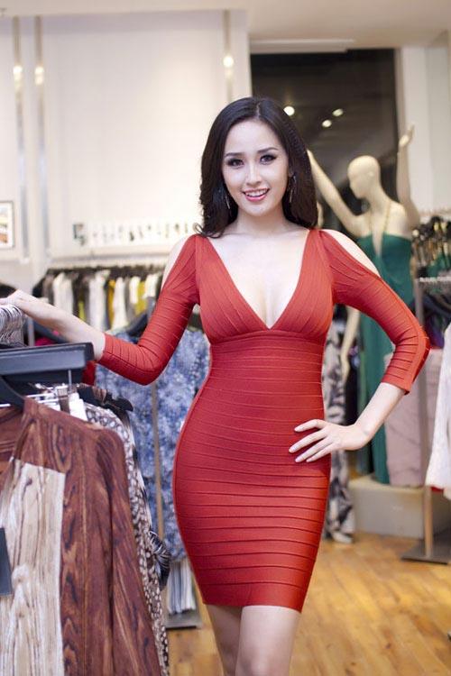 biet tai khoe dang dong ho cat sexy cua mai phuong thuy - 2