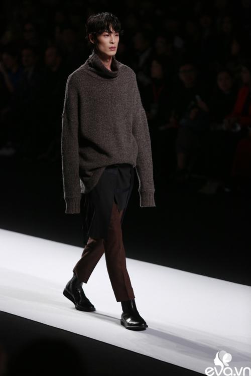 minh hang ngoi hang ghe dau tai seoul fashion week - 10