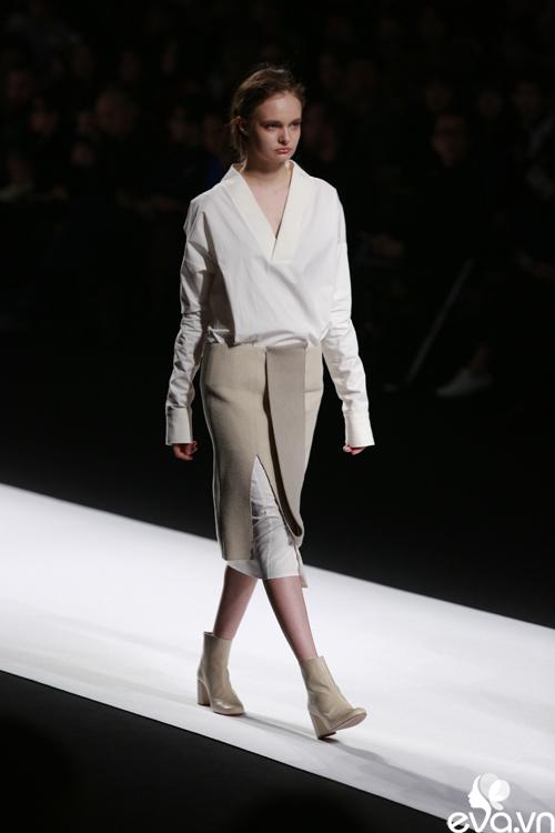 minh hang ngoi hang ghe dau tai seoul fashion week - 9