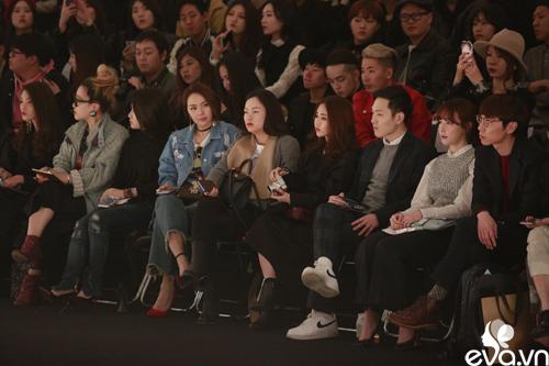 minh hang ngoi hang ghe dau tai seoul fashion week - 4