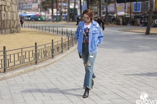 minh hang ngoi hang ghe dau tai seoul fashion week - 2