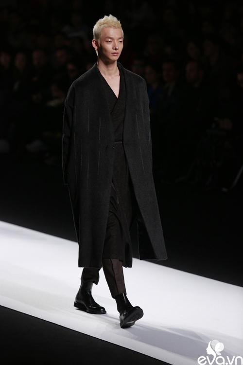 minh hang ngoi hang ghe dau tai seoul fashion week - 14