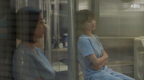 "song hye kyo - kim ji won ""xu ly"" nguoi yeu vi chup anh voi gai dep - 10"