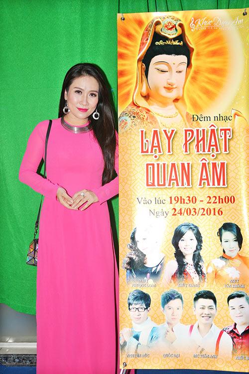 van khanh khoe giong hat ngot ngao ben nguyen duc - 1